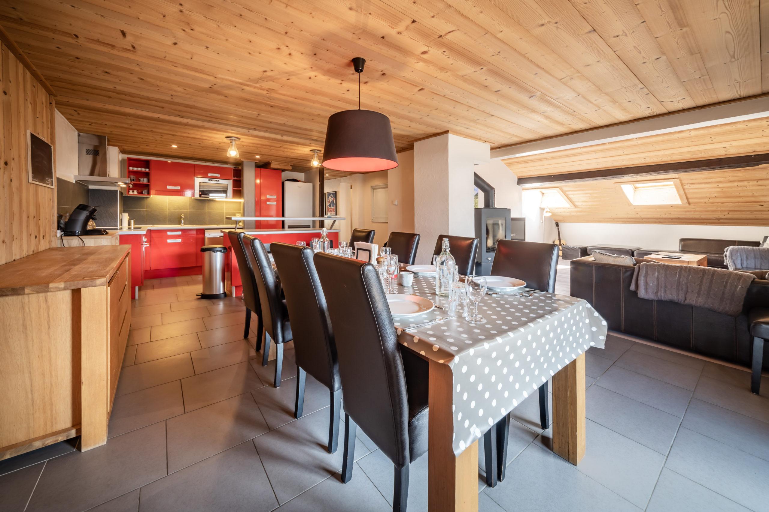 Dining-Area-Chalet-Ibex-Morzine