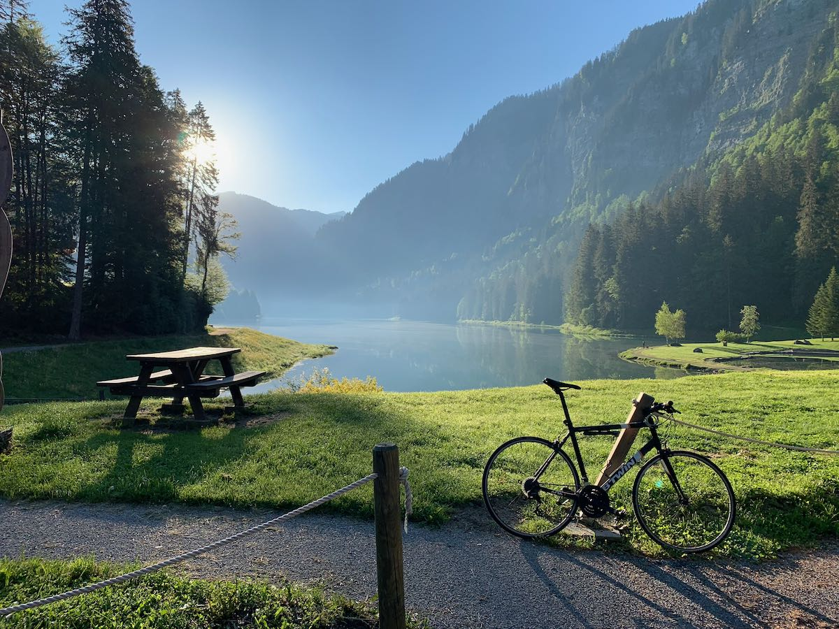 Bicycle by lake Montriond